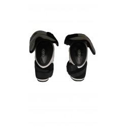 Easton Synergy 300 hockey shin knee pads
